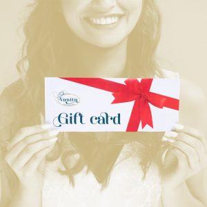 ragazza con gift card